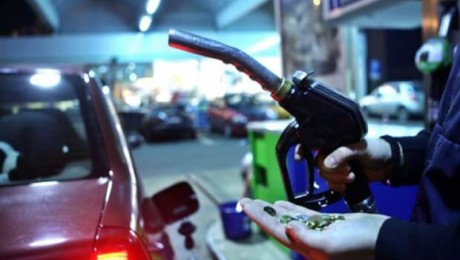 De ce nu se poate compara pretul RCA cu pretul benzinei