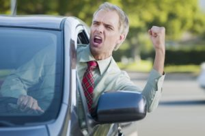 Soferul agresiv in trafic, scapa de cele mai multe ori! Comportamentul cel mai agresiv in trafic tind sa-l adopte soferii cu masini puternice.