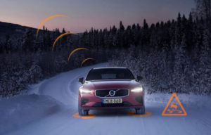 Masinile VOLVO ar putea comunica intre ele atunci cand drumul este periculos!