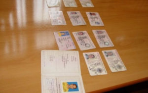 Sute de analfabeți la volan – Mii de euro platiti ca să-și ia permisul auto!