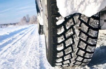 A inceput sezonul anvelopelor de iarna obligatorii. Pana la cat ajung amenzile!