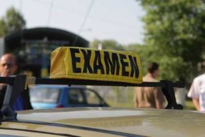 Polițiștii dispar de la examenul auto. Aplicația care decide cine ia permisul! VIDEO!