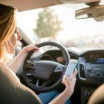 Soferii vor putea sa foloseasca din nou telefoanele cand conduc!