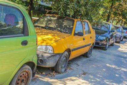 Perioada în care vehiculele abandonate pot sta pe domeniul public se va înjumătăţi!