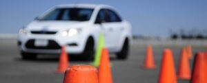 Șoferii vor fi obligați să urmeze cursuri de conducere defensivă!